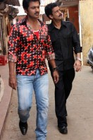 Manoj-Bajpai-On-The-Sets-Of-Shapath- phots (3)