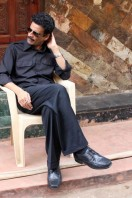 Manoj-Bajpai-On-The-Sets-Of-Shapath- phots (7)