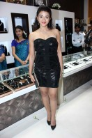 Suhasi Dhami At Kundan Jewellers Store Launch Photos gallery (4)