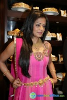 Priyamani at Jos Alukkas Showroom Launch (2)