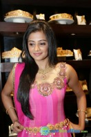 Priyamani at Jos Alukkas Showroom Launch (5)