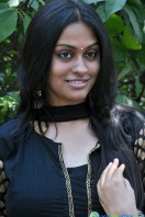 Sravani Actress Photos (6)