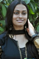 Sravani Actress Photos (7)