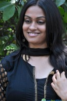 Sravani Actress Photos (9)