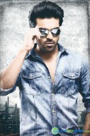 Yevadu Movie New Stills (6)