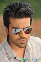 Yevadu Movie Photos (4)