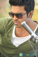 Yevadu Telugu Movie