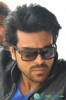 Yevadu Movie Photos (9)