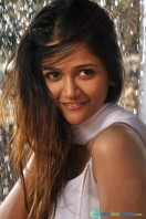 Anaika Soti in Satya 2 Photos (8)