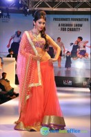 Shriya Saran Ramp Walk at Passionate Foundation Fashion Show (15)