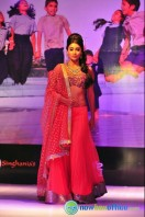 Shriya Saran Ramp Walk at Passionate Foundation Fashion Show (21)