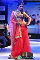 Shriya Saran Ramp Walk at Passionate Foundation Fashion Show (33)