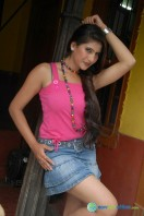 Neha Saxena at Q Film Shooting Press Meet (3)
