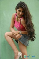 Neha Saxena at Q Film Shooting Press Meet (8)