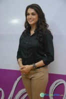 Isha Kopikar at Looty Film Launch Pressmeet (5)