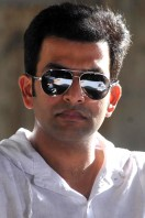Prithviraj in Shutter Bollywood remake