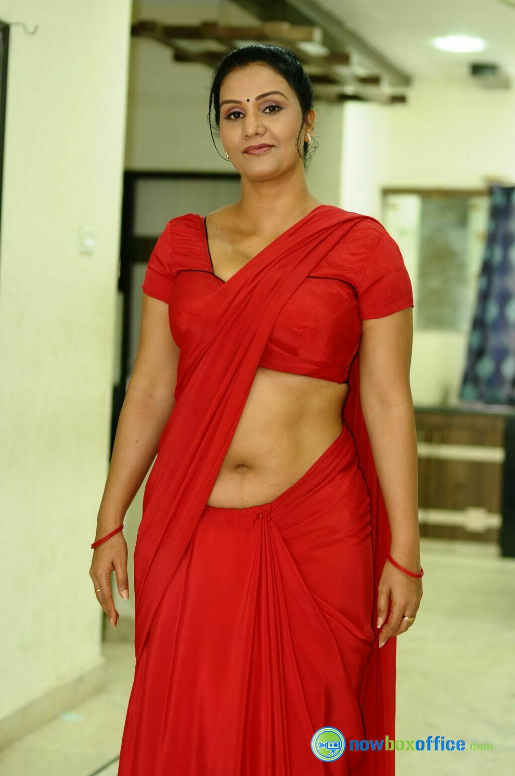 Indian Actress In Saree Collection Apoorva Hot Saree Stills
