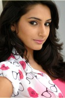 Ragini Dwivedi in South Flick!!