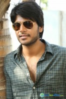 Sandeep Kishan at Gillete Guard Big Disha Event (4)