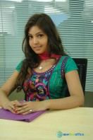 Komal Jha New Photos (15)