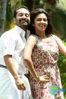 Oru Indian Pranayakatha New Stills (59)