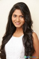 Shruthi Reddy actress photos (20)