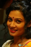 Vidiyum Munn New Gallery (32)
