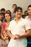 Nagarjuna Family at Sai Baba Temple (4)