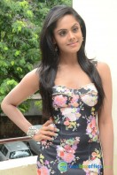 Karthika Nair Latest Stills (14)