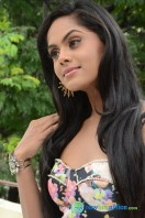 Karthika Nair Latest Stills (25)