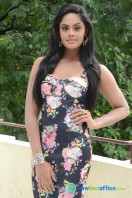 Karthika Nair Latest Stills (4)