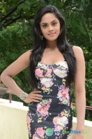 Karthika Nair Latest Stills (5)