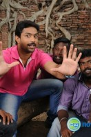 Vethu Vettu Movie Photos (28)