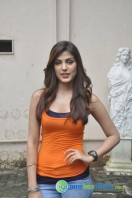 Rhea Chakraborty New Photos (5)