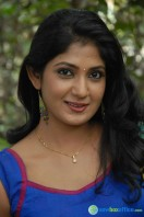 Yagna Shetty Photos
