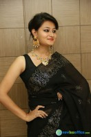 Niloufer in black saree photos (1)