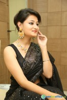 Niloufer in black saree photos (15)