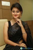 Niloufer in black saree photos (16)