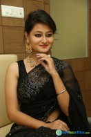 Niloufer in black saree photos (17)