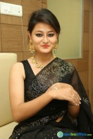 Niloufer in black saree photos (18)