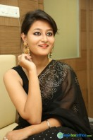 Niloufer in black saree photos (19)