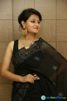 Niloufer in black saree photos (29)