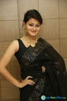 Niloufer in black saree photos (31)