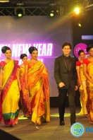 SRK's Happy New Year Palam Silks 15 Fashion Show (12)