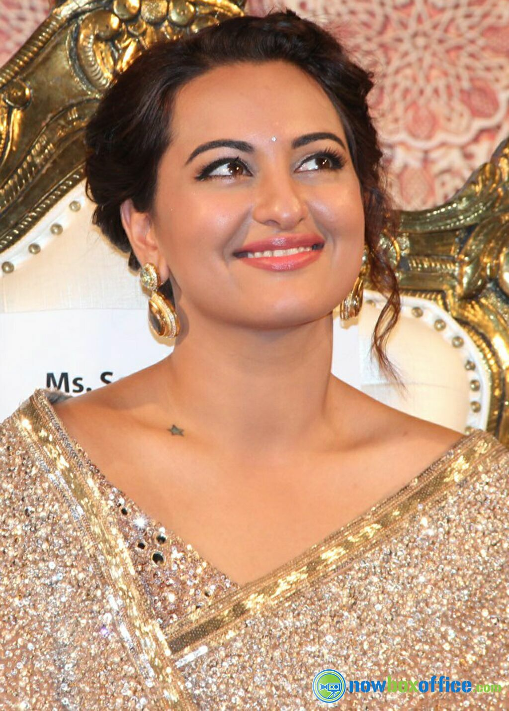 sonakshi sinha mother