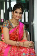 Akanksha at Bridal Dream Make Up Work (14)