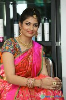 Akanksha at Bridal Dream Make Up Work (15)