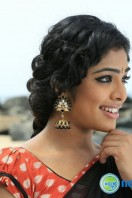 Chirakodinja Kinavukal New Photos (20)