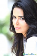 Meenakshi Dixit New Photoshoot (14)