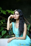 Meenakshi Dixit New Photoshoot (4)